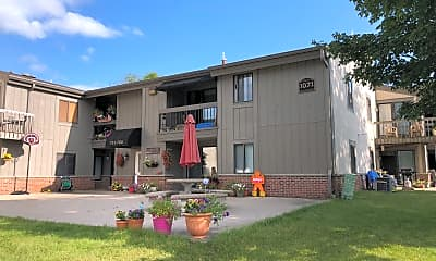 Lake Country Village Apartments, 0