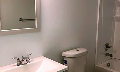Bathroom, 2505 E 20th St, 2