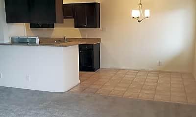 Kitchen, 504 Calcaterra Cir, 1