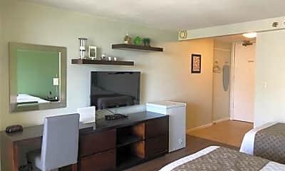 Living Room, 445 Seaside Ave 1817, 1