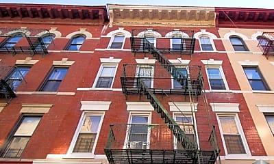 Building, 372 Montgomery St, 2