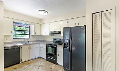 Kitchen, 200 Ridge Crest Loop, 2