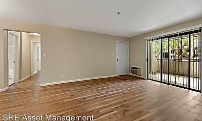 Living Room, 880 E Fremont Ave, 1