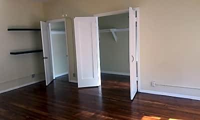 Bedroom, 304 S Manhattan Pl, 1