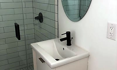 Bathroom, 1020 N Crescent Heights Blvd, 2
