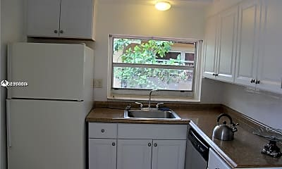 Kitchen, 2019 Mayo St 1-4, 2