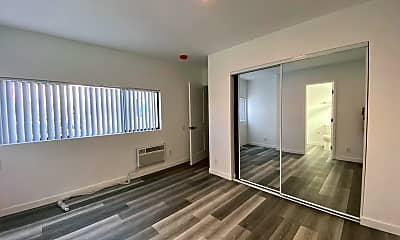 Living Room, 6666 Yucca St, 0