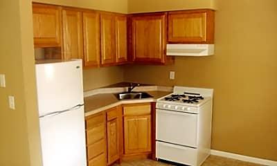 Kitchen, 711 W Church St, 1