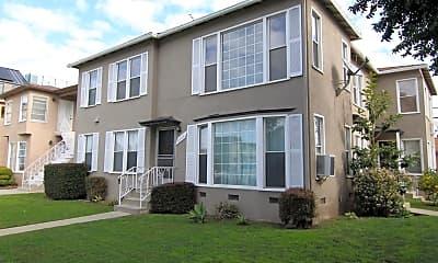 Building, 2624 S Barrington Ave, 2
