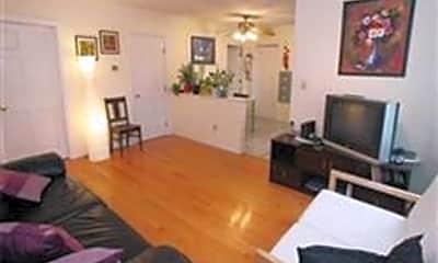 Bedroom, 101 Sciarappa St 3, 1