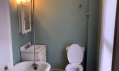 Bathroom, 32 Laurel Ave, 1