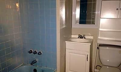 Bathroom, 636 Maryland Ave, 2