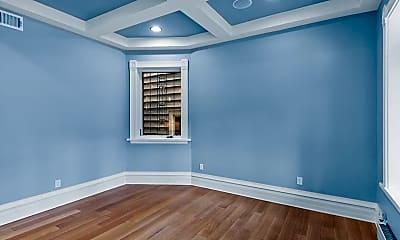 Bedroom, 634 W Briar Pl, 2
