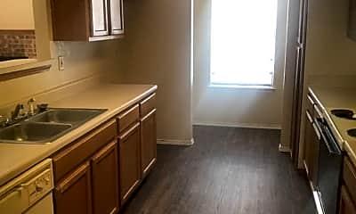 Kitchen, 4312 Columbus Trail, 1