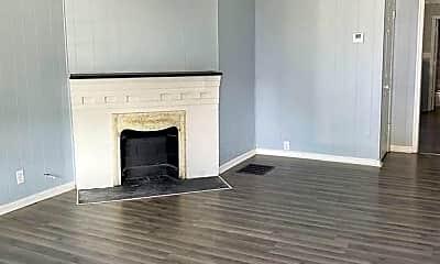 Living Room, 953 N Oakland Ave, 1