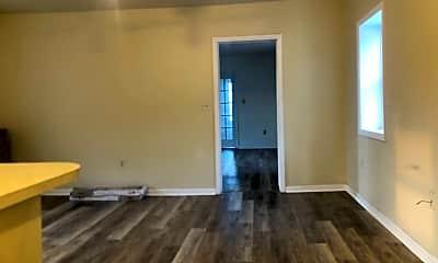 Living Room, 641 E Orange St, 2