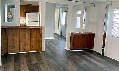 Living Room, 1372 Hargraves Rd, 1