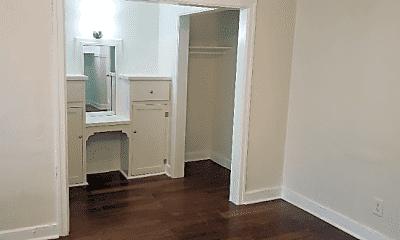 Bathroom, 727 S Coronado St, 1