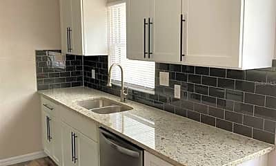 Kitchen, 240 Colony Dr, 1