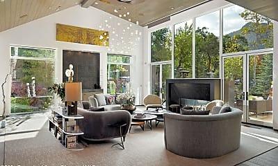 Living Room, 219 N Monarch St, 1