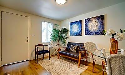 Living Room, 424 E Truslow Ave, 0