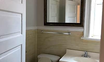 Bathroom, 2809 Sidney St, 2