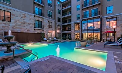 Pool, 300 E Basse, 1