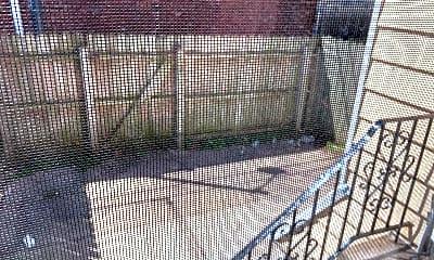 Patio / Deck, 2026 Bonnaffon St, 2