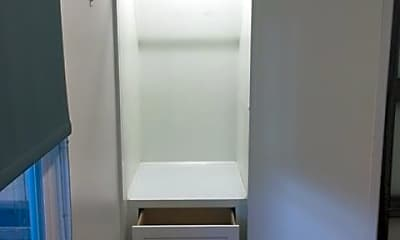 Bathroom, 2417 2nd St, 2