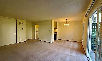 Living Room, 800 N Delaware St, 1