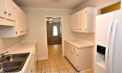 Kitchen, 907 S Hornbeam Dr, 1