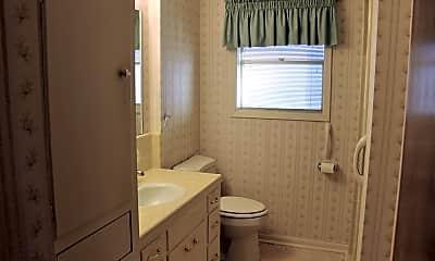 Bathroom, 1700 Ellen St, 2
