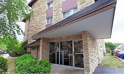 Building, 227 Des Plaines Ave, 1