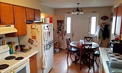 Kitchen, 1305 16 1/2 St S, 1
