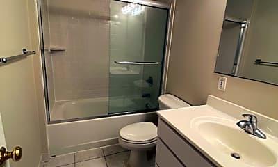 Bathroom, 355 Central Park Ave C, 2