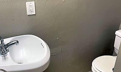 Bathroom, 372 S Bouquet St, 2