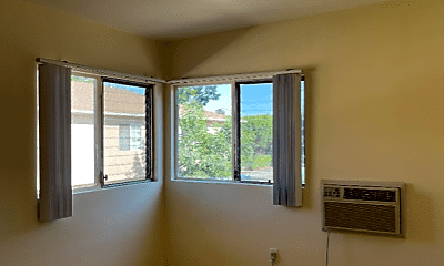 Living Room, 14207 Sylvan St, 1