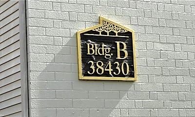 Community Signage, 38430 North Ln B-204, 2