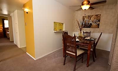 Dining Room, 6623 Callaghan Rd, 1