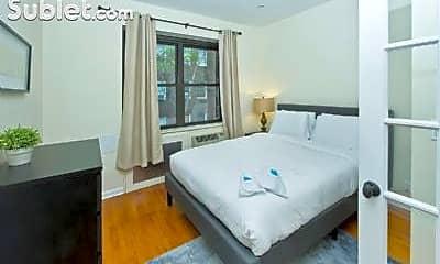 Living Room, 151 E 38th St, 1