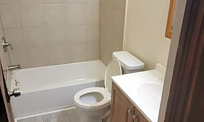 Bathroom, 607 3rd St, 2