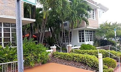Tradewinds Apartment Hotel, 2