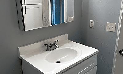 Bathroom, 900 S Highland Ave, 2