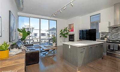 Living Room, 433 Pine Ave, 0