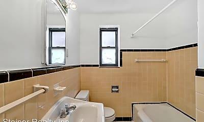 Bathroom, 5540 5th Ave, 2
