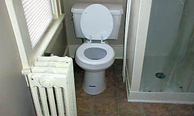 Bathroom, 2205 S Calhoun St, 2
