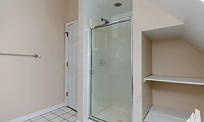 Bathroom, 1401 W School St, 2