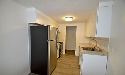 Kitchen, 1077 East Ave, 2