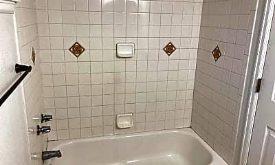 Bathroom, 3307 W 34th Ave, 2