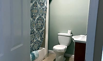Bathroom, 1690 N Main St, 1